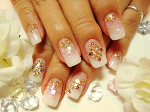 白×ピンク。王道カラー。誰からも好印象なかわいさです。