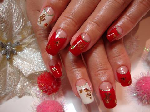 赤と白の逆フレンチでクリスマスネイル☆