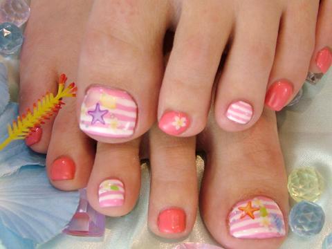 ピンクのボーダーと夏シールで可愛く夏FOOTジェル☆
