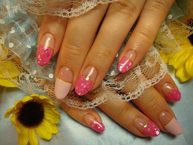 ピンク&シェルで夏らしいフラットフレンチ♪