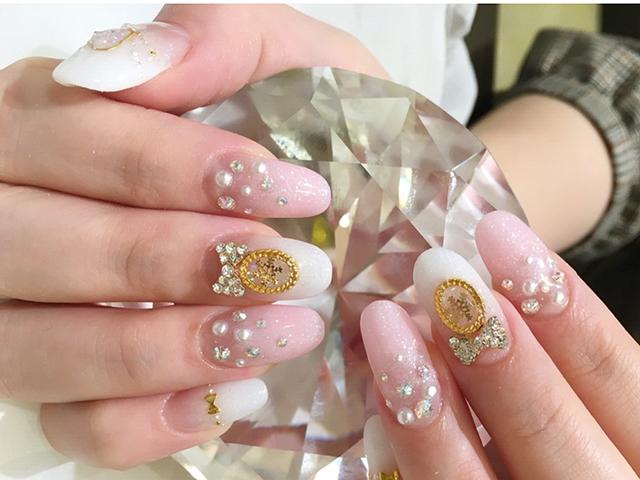 プリンセスカラーのピンクとホワイトで気分はお姫様