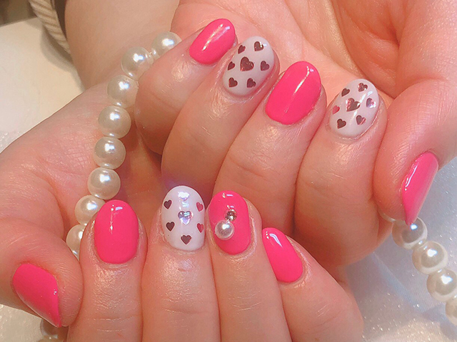鮮やかなフューシャピンクが春らしくて可愛いですね♪