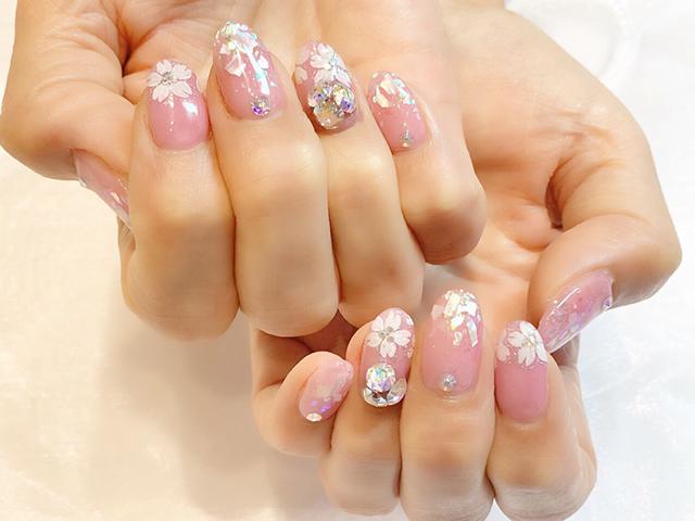 桜満開です*お爪の上にも3Dの桜が咲いてます♪
